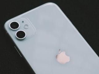 Flipkart Big Saving Days 2021 सेल में iPhone 11 व Samsung Galaxy S20+ जैसे फोन्स पर मिल रही है बंपर छूट