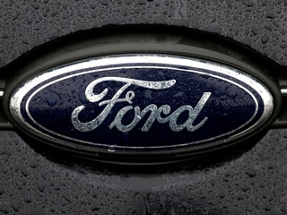 Amazon, Ford Partner to Enable Package Deliveries to Owners' Cars