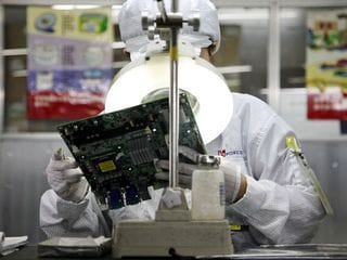 Apple, Foxconn Broke a Chinese Labour Law to Build Latest iPhones