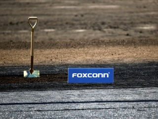 Foxconn Said to Shift Some Apple Production to Vietnam to Minimise China Risk