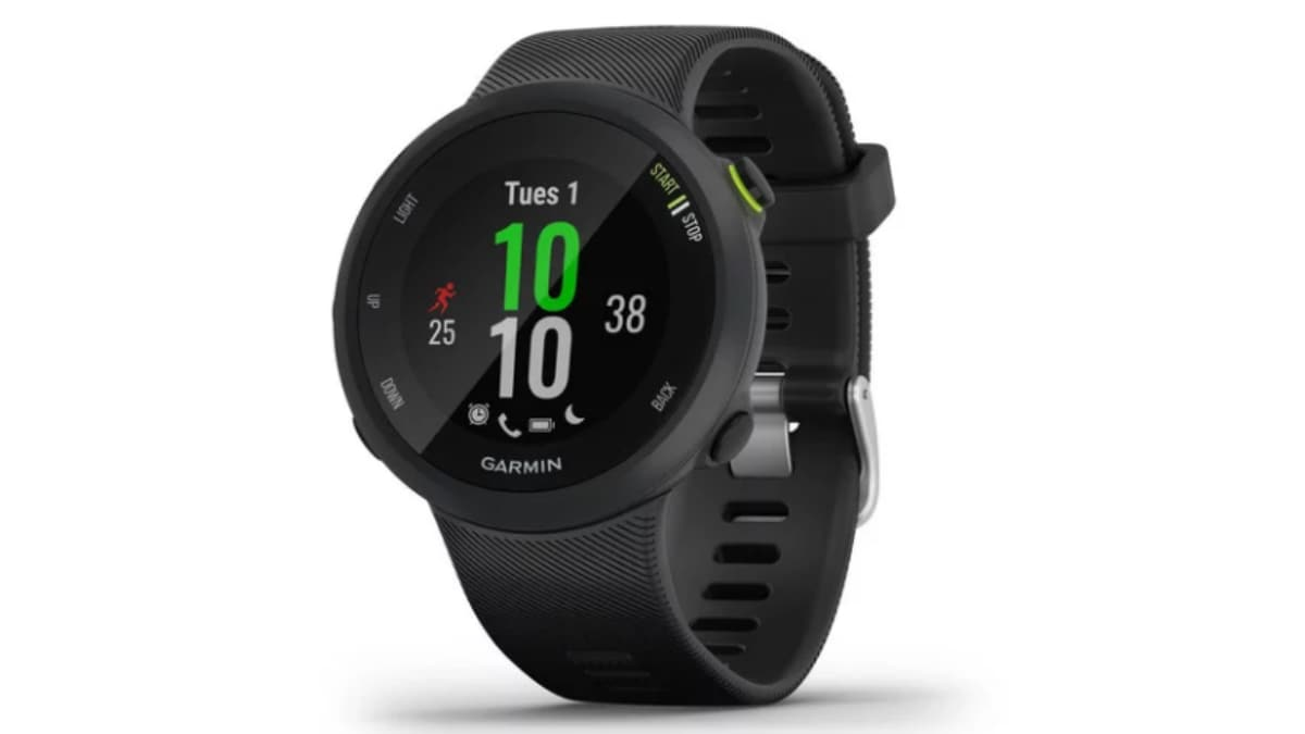 Garmin Forerunner 45, Forerunner 45S, Forerunner 245, Forerunner 245 Music, Forerunner 945 GPS Smartwatches Launched