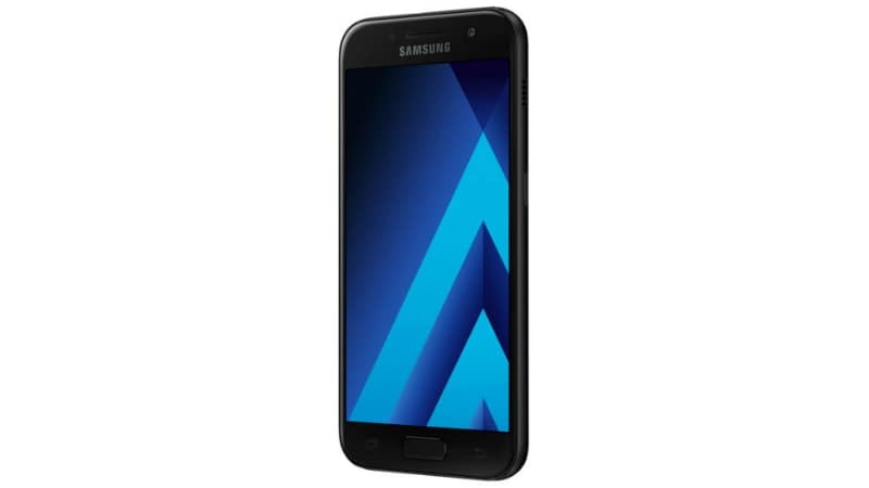 Samsung Galaxy A3 (2017) Android Oreo Update Reportedly Causing Random Reboots, Battery Drains