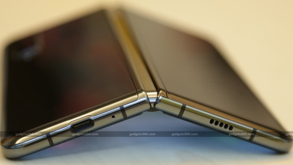 Best Flip Phone 2020.Samsung To Launch Clamshell Style Foldable Phone Priced