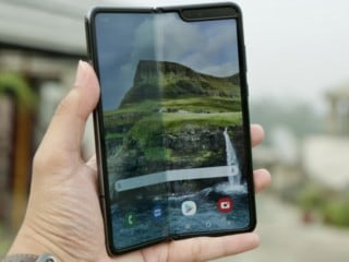 Samsung Galaxy Fold: Yay for the Experience or Nay for Being Too Expensive?