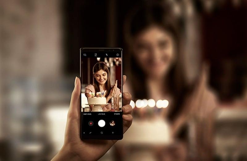 20,000 रुपये तक है बजट तो ये हैं बेहतरीन कैमरा स्मार्टफोन