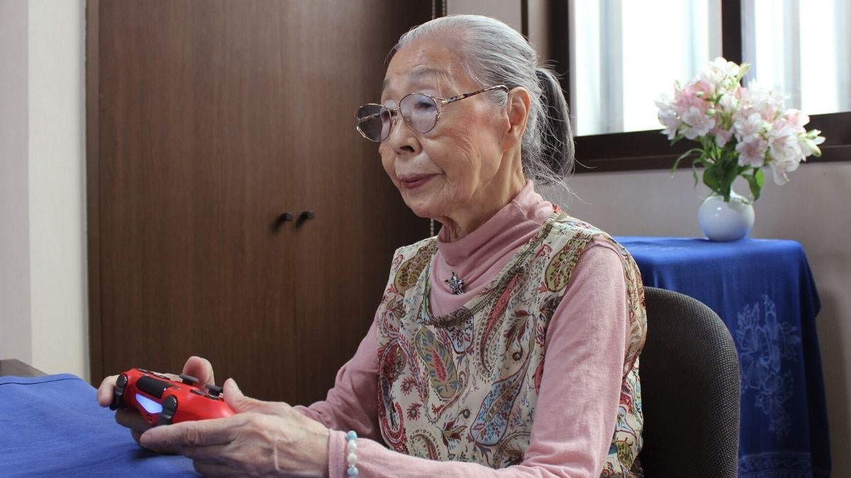 Gran Theft Auto: Finger Flexes Keep 90-Year-Old Gamer Console-Ready