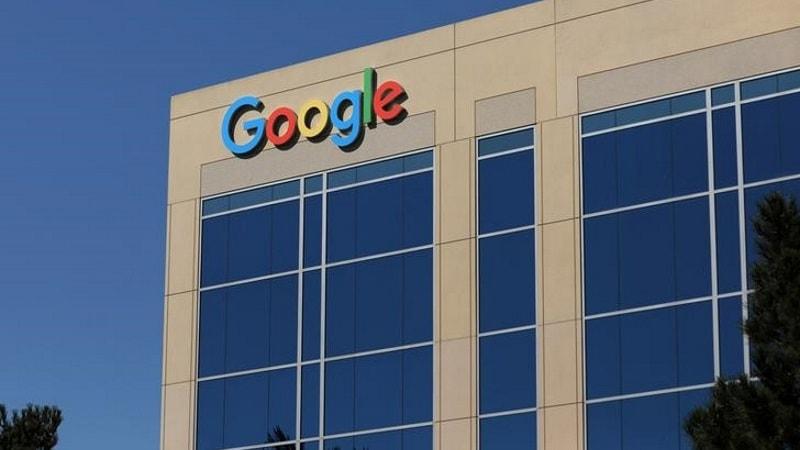 Google, Amazon Suffer Market Setbacks on Sales Outlook