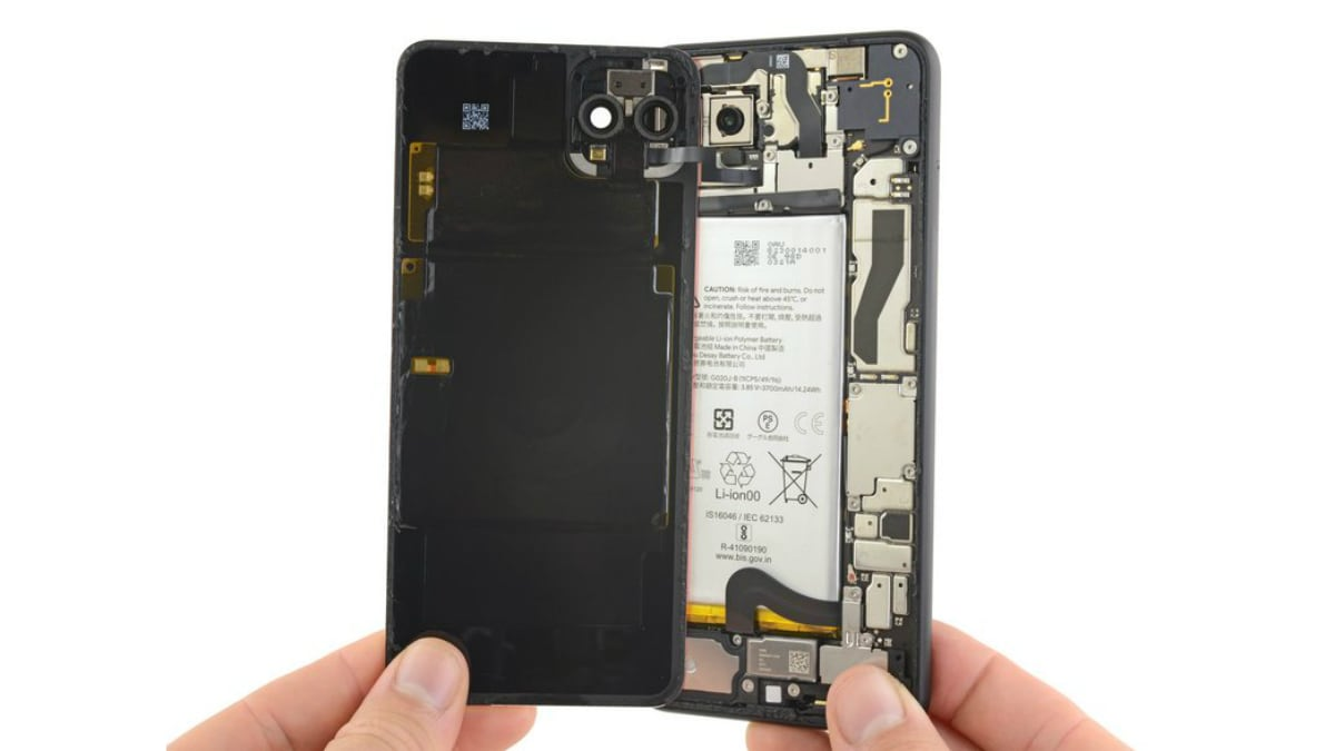 Google Pixel 4 XL iFixit Teardown Highlights Repairability Struggles, Pixel 4 Also Disassembled in a Video