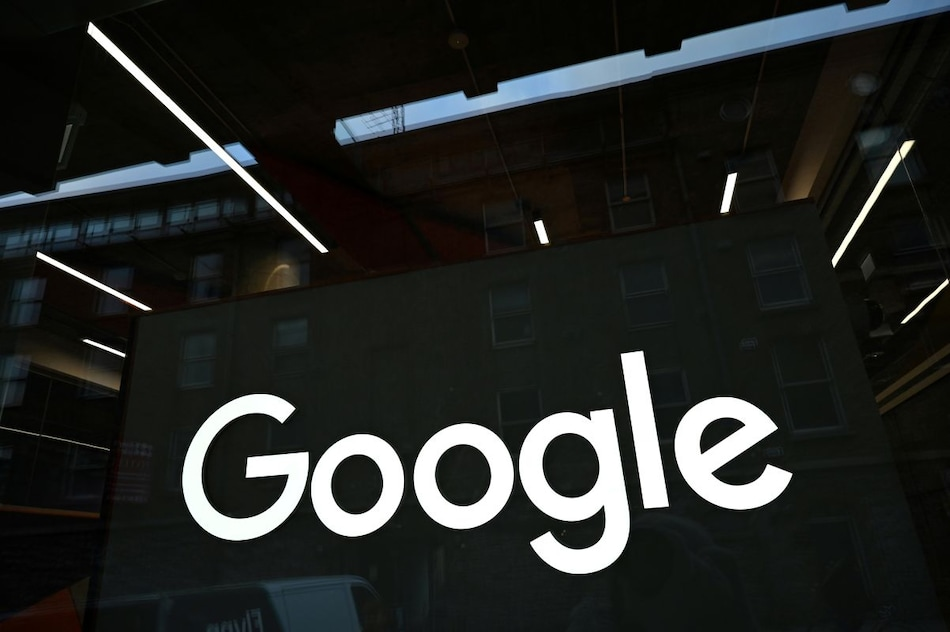 Google, Facebook Fined in Russia for Failing to Delete Banned Content