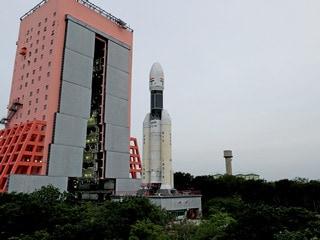 ISRO's Heavy Rocket 'Baahubali' Gearing Up for Chandrayaan-2 Moon Misson on Monday