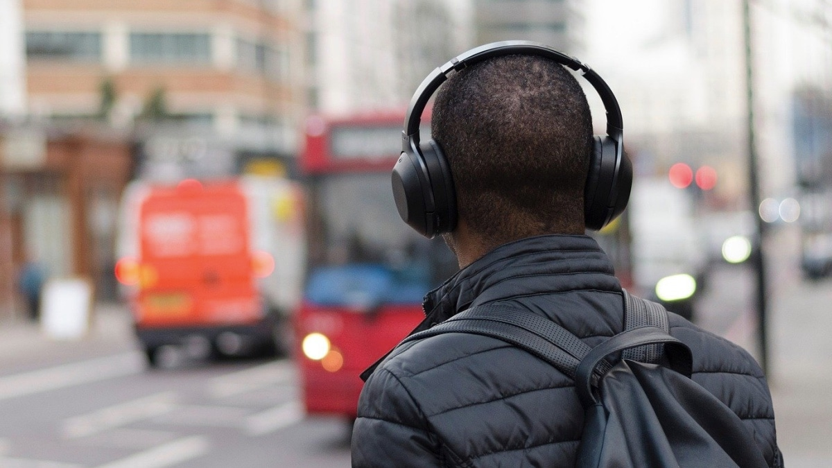 The Best Wireless Bluetooth Headphones and Earphones Under Rs. 5,000 You Can Buy in India