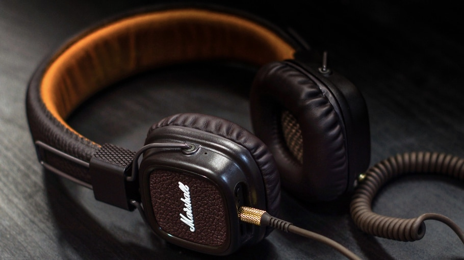 Headphones 101: A Beginner's Guide to Choosing the Right Headphones for You
