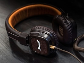 A Beginner's Guide to Choosing the Right Headphones for You