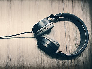 16-Year-Old Reportedly Electrocuted Wearing Headphones Connected to Charging Smartphone