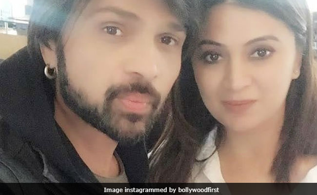 Himesh Reshammiya Is Getting Married To TV Actress Sonia Kapoor