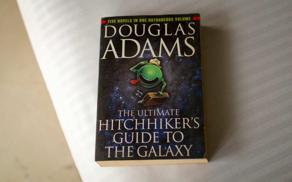 The Hitchhiker's Guide to the Galaxy Series Set at Hulu With Lost's Carlton Cuse, Wonder Woman's Jason Fuchs: Report