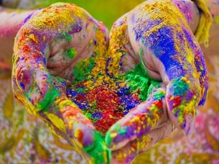 Holi 2021: 5 Best Tech Gifts Under Rs. 2,000 to Cheer Up Your Loved Ones