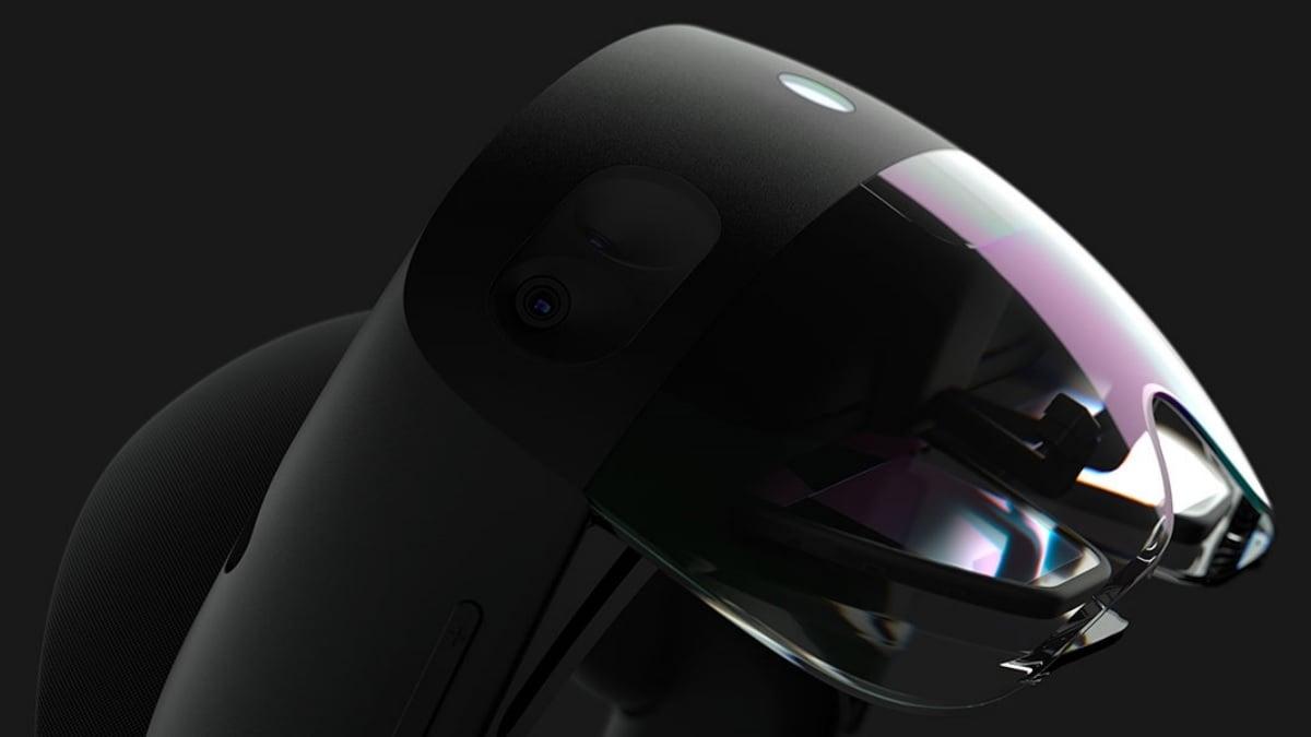 Microsoft HoloLens 2 to Hit Shelves in September, Says Executive VP Harry Shum