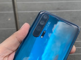 Honor Tries Its Best to Ignore Distractions and Focus on the Camera-Centric Honor 20 Pro