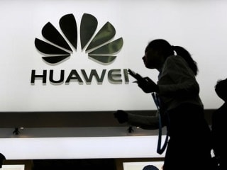 Huawei Said to Launch a 'Blockchain-Ready' Smartphone Soon