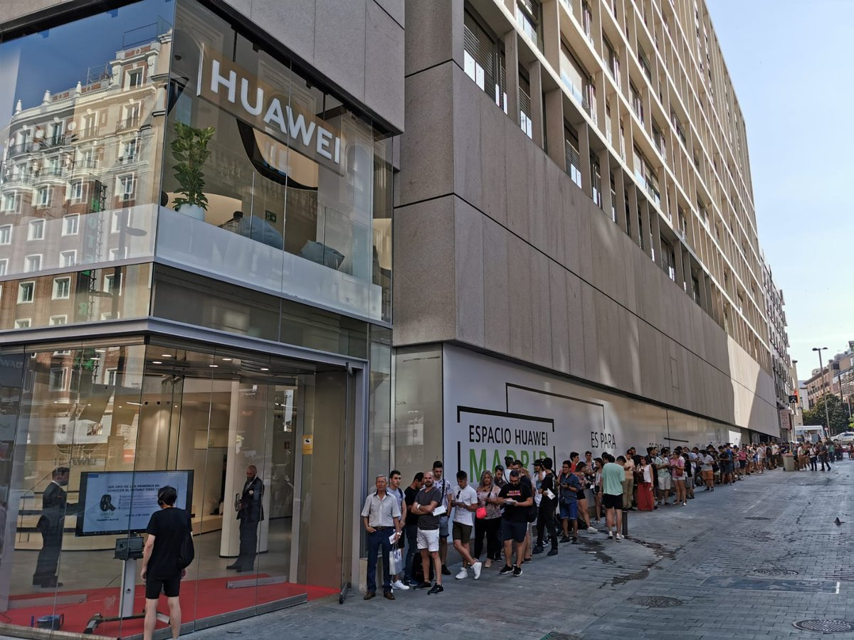 Huawei Opens Largest Flagship Store Outside China in Madrid