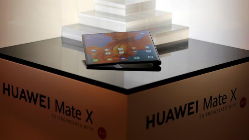 Huawei Mate X 5G Foldable Phone With Kirin 980 SoC, Leica Optics Announced at MWC 2019