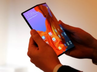 Corning Working on Truly Bendable Glass for Foldable Phones
