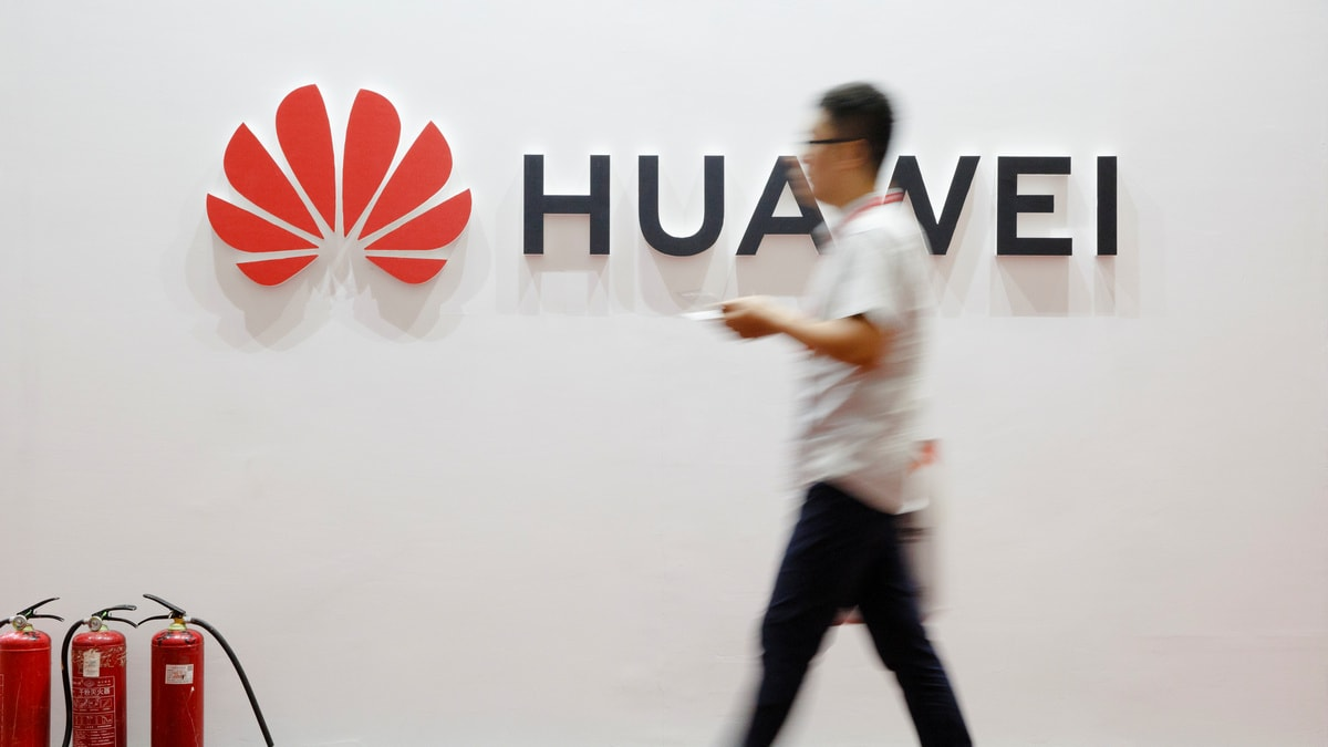 Huawei Passes Apple to Become Second Largest Smartphone Manufacturer in 2019: Counterpoint