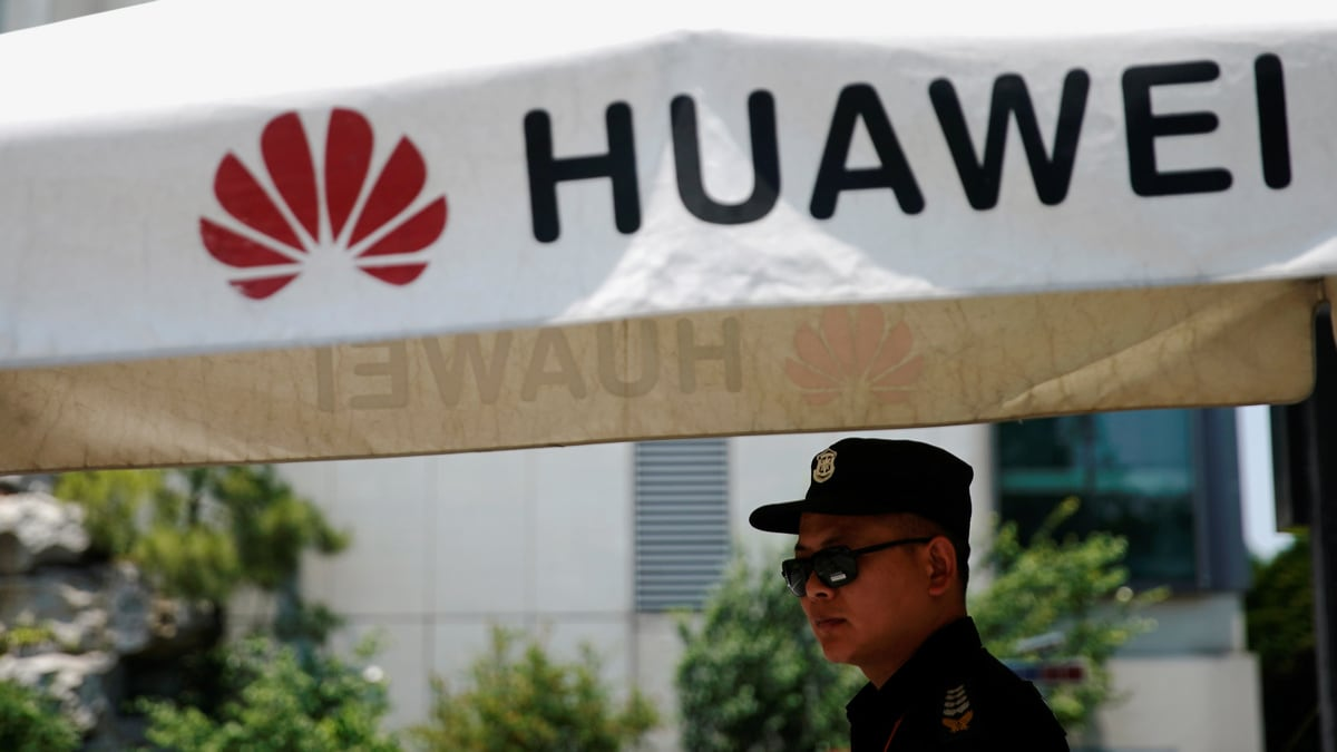 US, China Exchange Barbs Over Huawei as Trade Tensions Flare