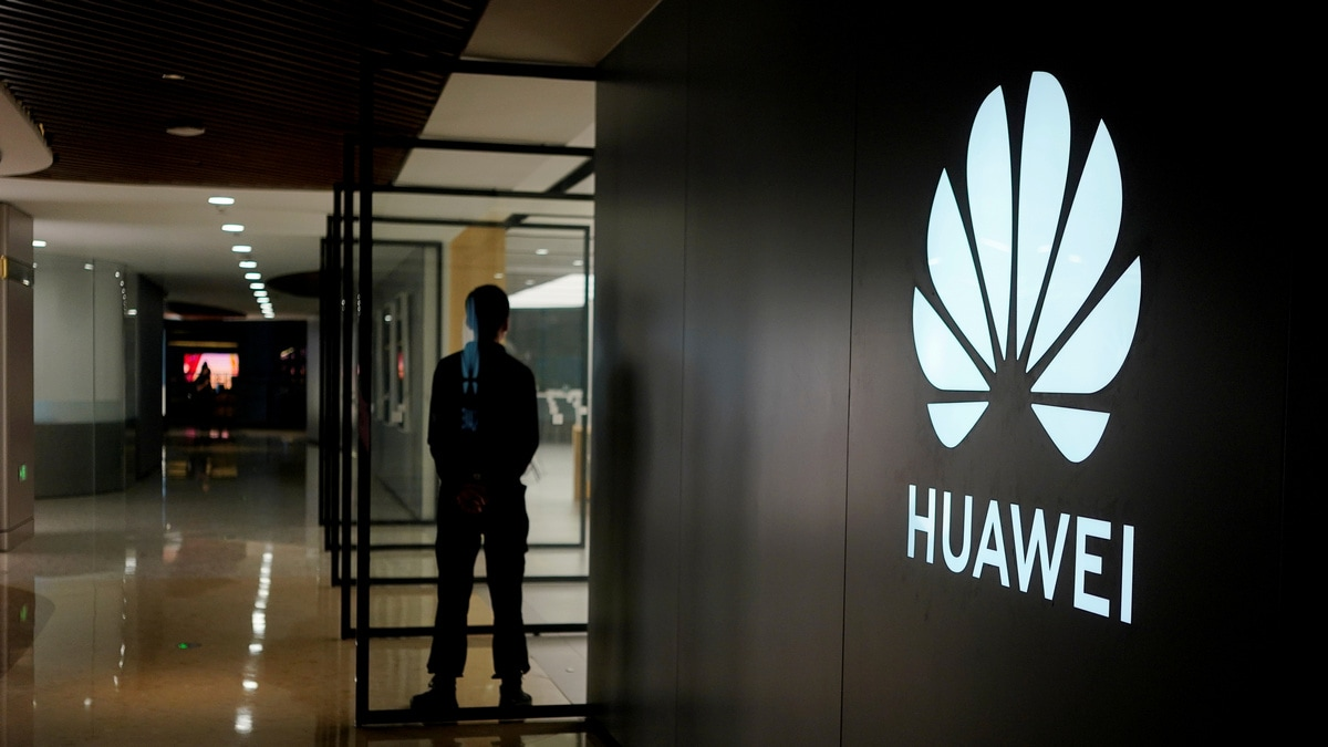 Huawei founder says company to cut output by $41b in 2019-20
