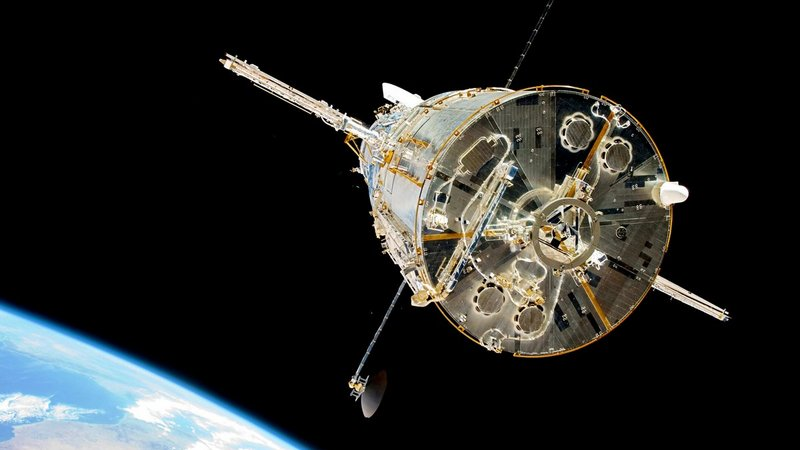 No, NASA Didn't Fix the Hubble Space Telescope by Just Turning It Off and On Again