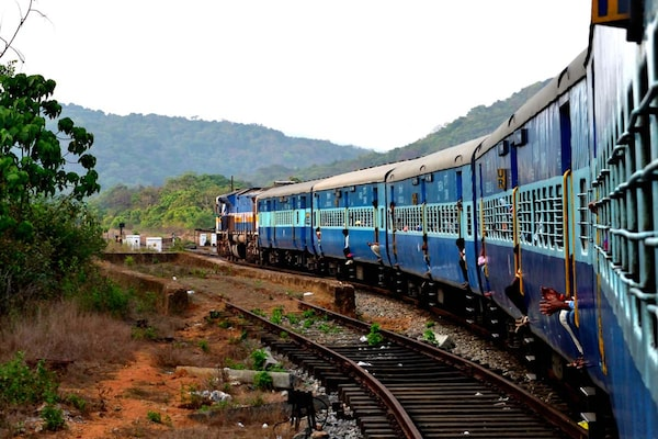 IRCTC Train Tickets Booking Starts Today: How to Book Tickets and Precautions to Take While Travelling