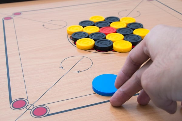 Best Carrom Boards: For Strong Strikes And A Great Game