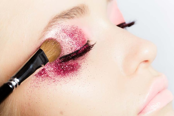 Glitter Eyeshadows: The Best of Dreamy Eye Makeup
