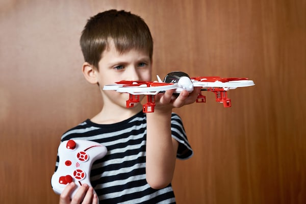 Let Kids Explore More With The Best Drone Toys