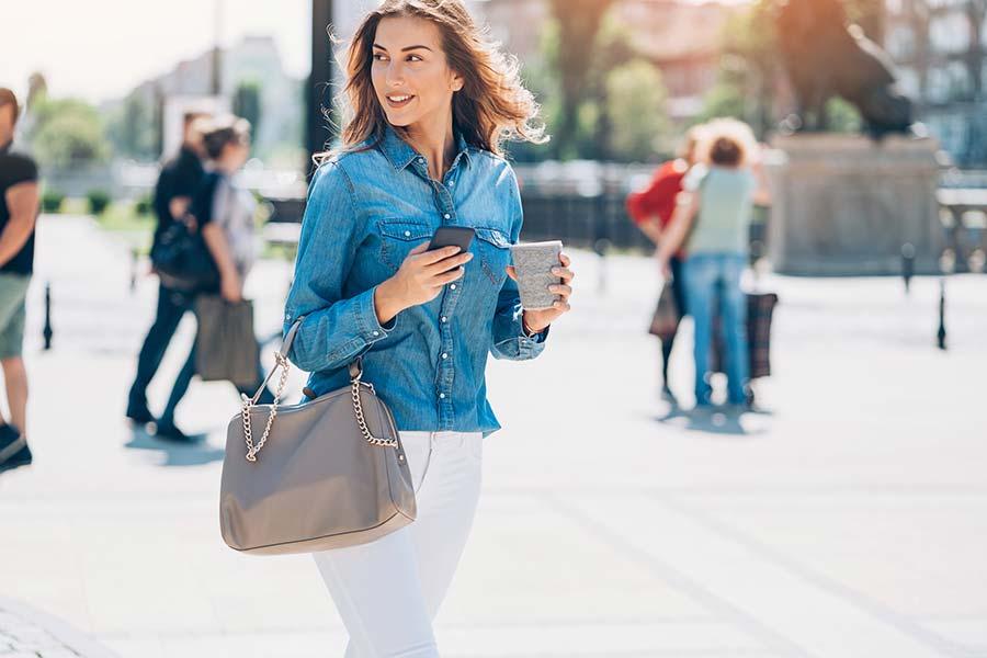 12 Best Handbags for Women in India