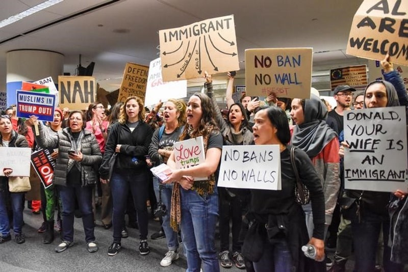 US Tech Firms Debate How Strongly to Protest Trump's Immigration Order