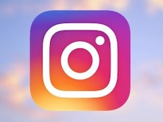 Instagram Rolls Out a Multi-Story Carousal Redesign for Stories on Desktop