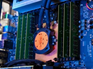 Intel Xeon W-3175X CPU With 28 Cores, 56 Threads Launched for $2,999