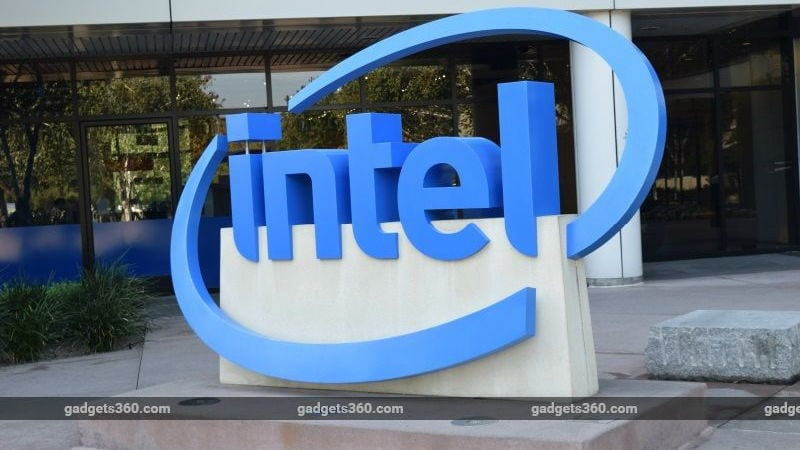 Intel, Facing Threat, Considers Deals That Could Include Bid for Broadcom