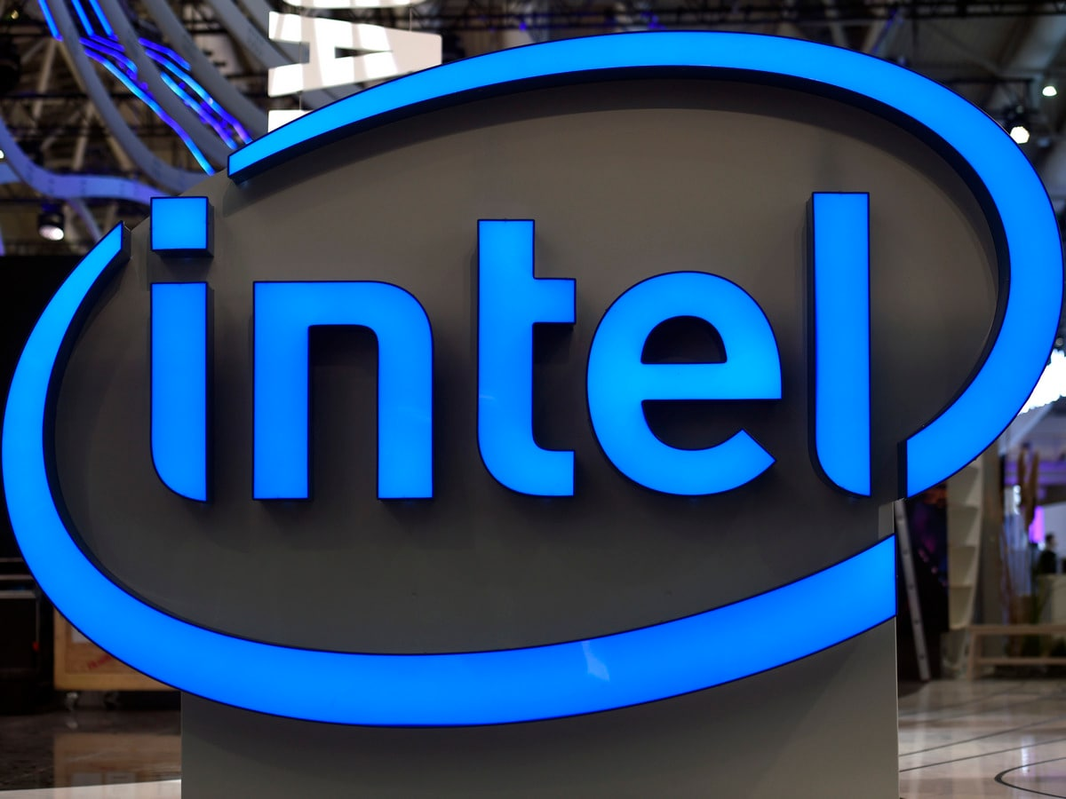 Intel Says First Volume 10nm Chips to Ship in June, 7nm Chips in 2021