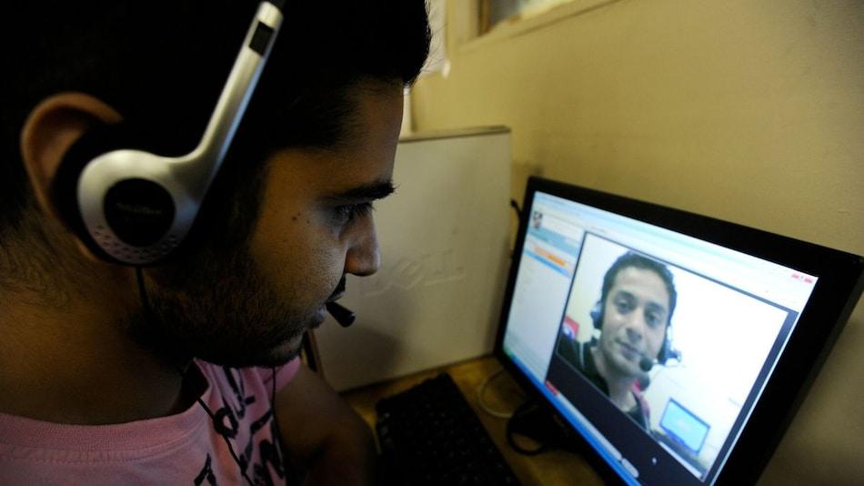 Coronavirus Curbs Seen Taking Heavy Toll on People Without Internet