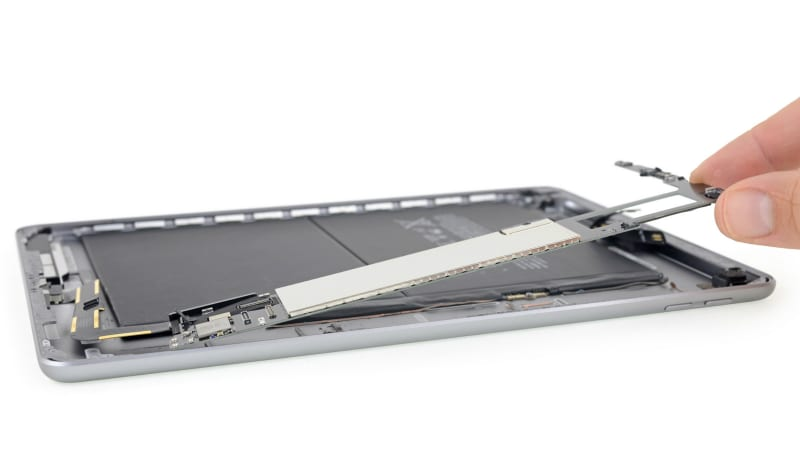 Apple iPad (2018) iFixit Teardown Suggests It Is Just as Difficult to Repair