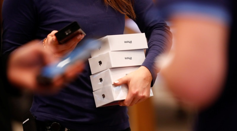 Over 300 iPhone X Units Worth More Than $370,000 Stolen From Near Apple Store