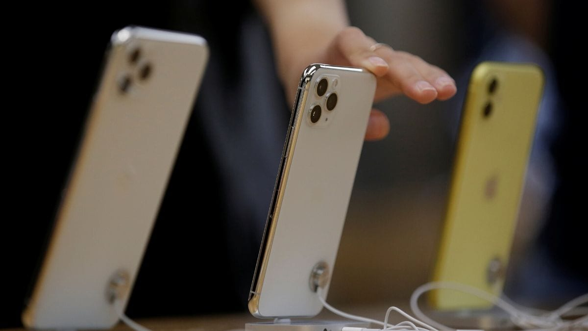 Apple ships 2.5m iPhones in China following virus slump