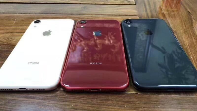 the latest 413da 4386d iPhone 2018 6.1-Inch LCD Variant's Alleged Dummies Show 4 Colours ...
