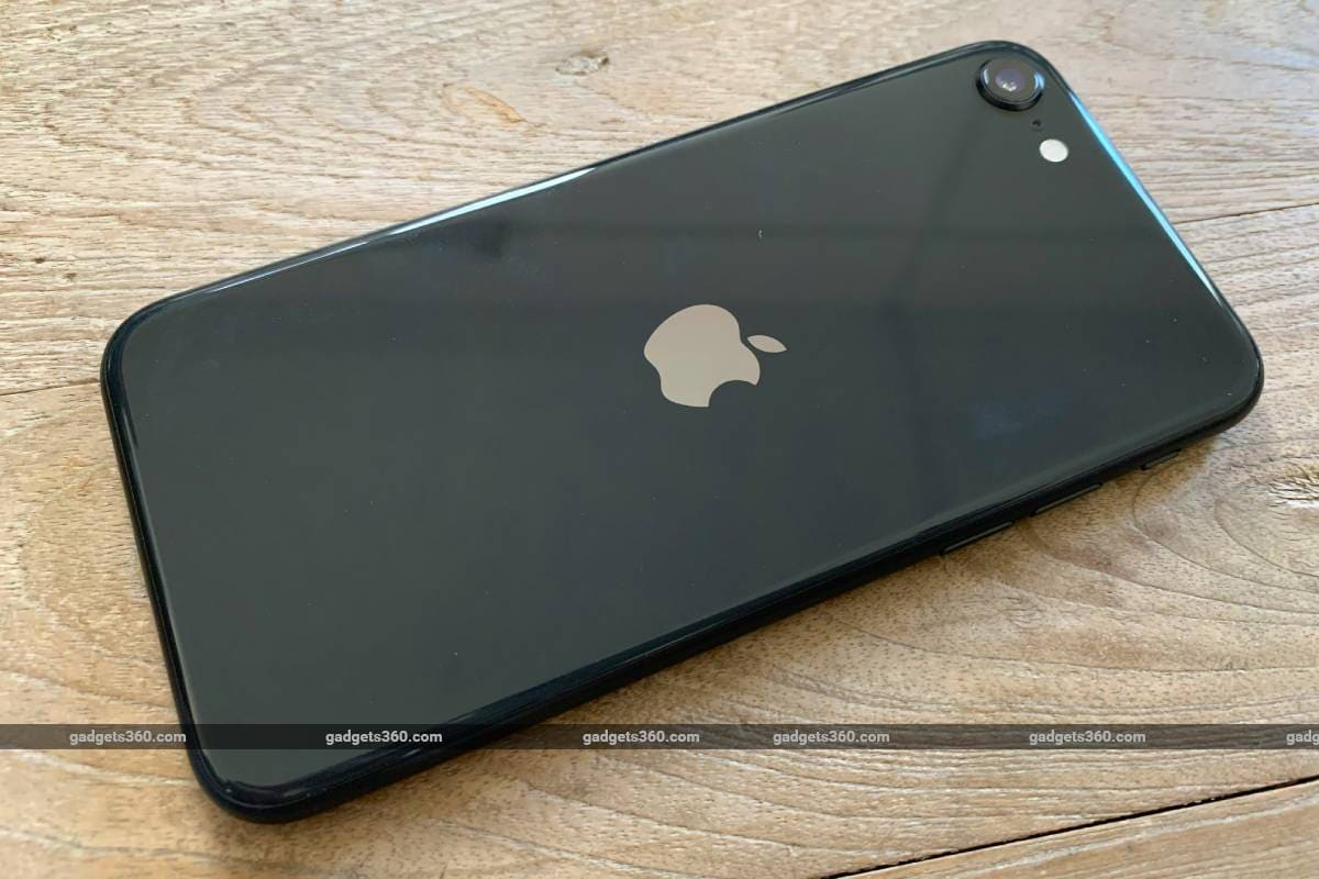 iphone se 2020 rear ndtv iphone