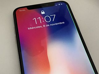 iPhone X Affected by Green Line on OLED Display, Some Users Say