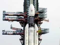 GSLV-Mk III रॉकेट अंतरिक्ष के लिए रवाना, साथ में है GSAT-19 संचार उपग्रह