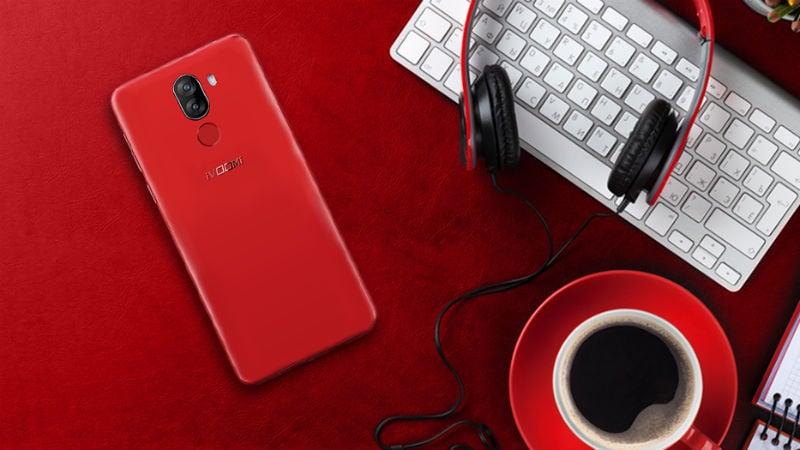 iVoomi i1, i1s Smartphones Get Matte Red Colour Variants